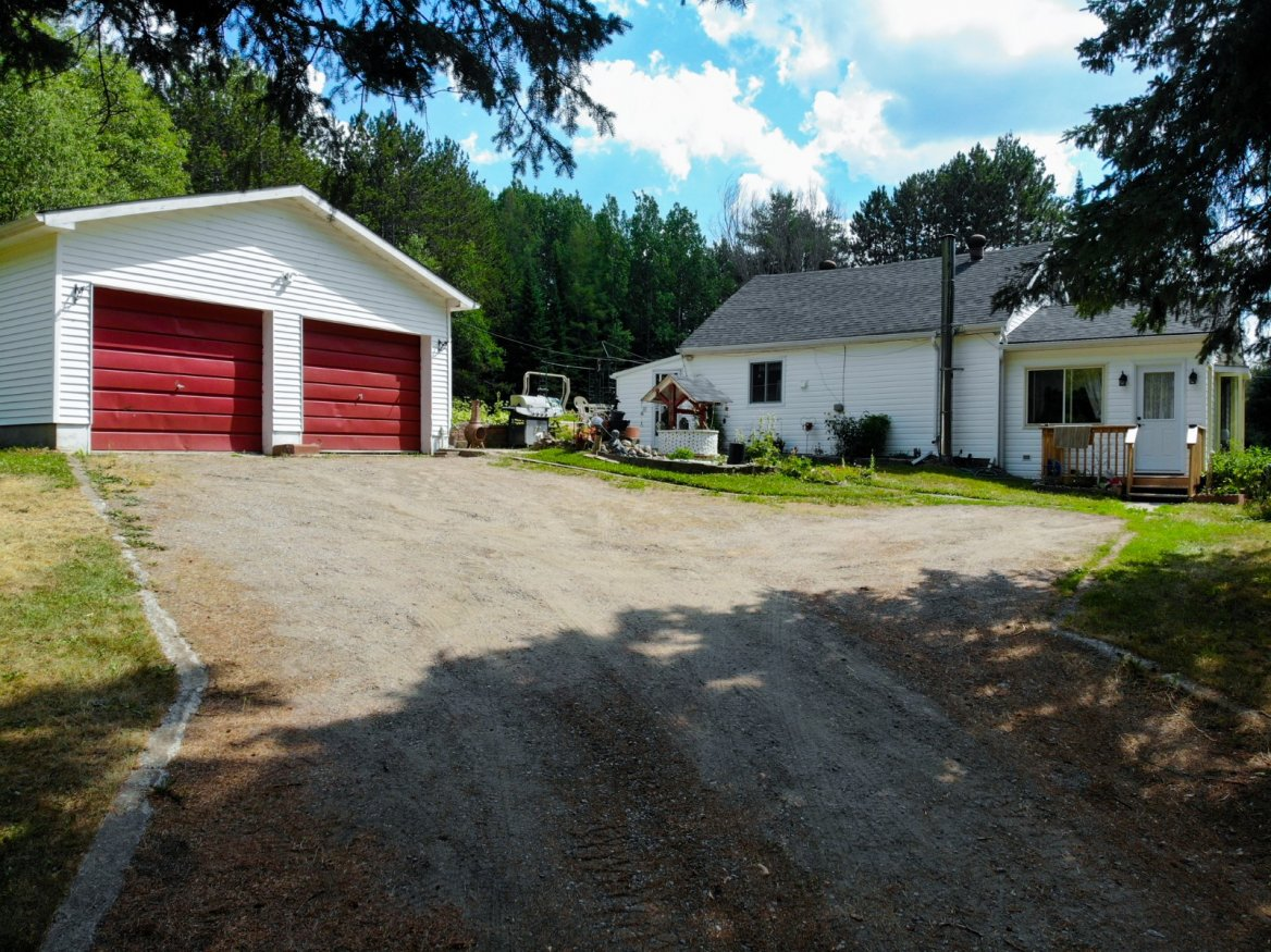 12918 County 503 Rd, Highlands East
