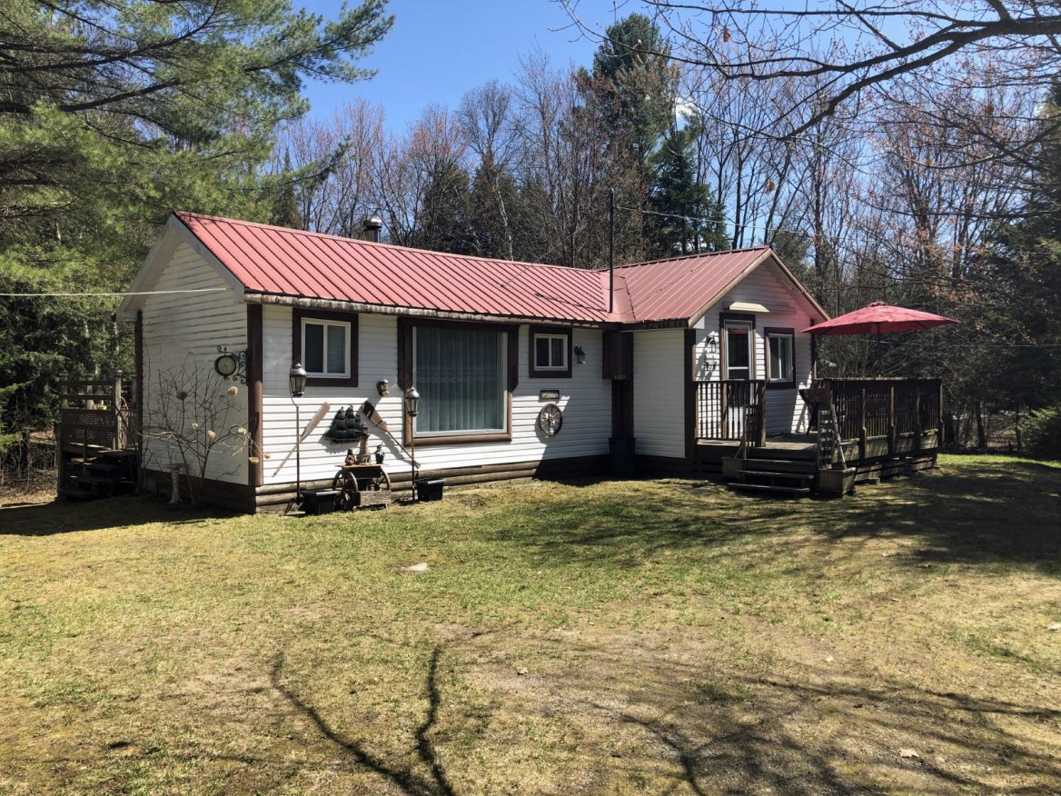 1490 Buckslide Road, Algonquin Highlands