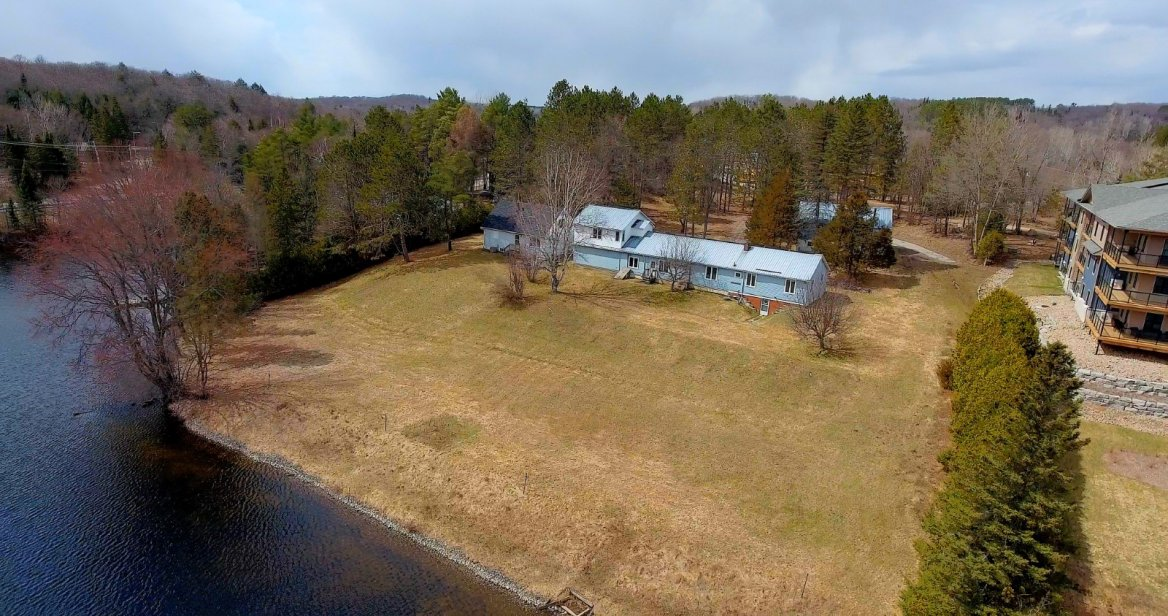 77 Wallings Road, Haliburton - Head Lake