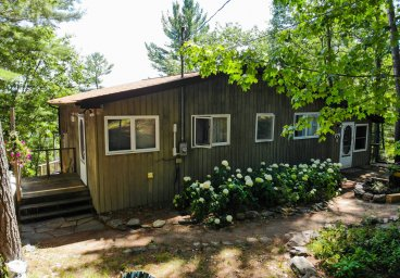 Cottages for Sale by Team Haliburton Highlands at Re/Max
