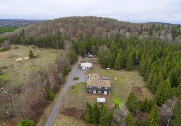 1584 Loop Road, Wilberforce, Haliburton County thumbnail
