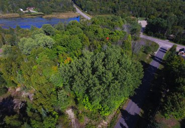 Calico Road, Private Pond, Haliburton thumbnail